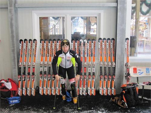 So viele Skier hat Reinfried getestet ...